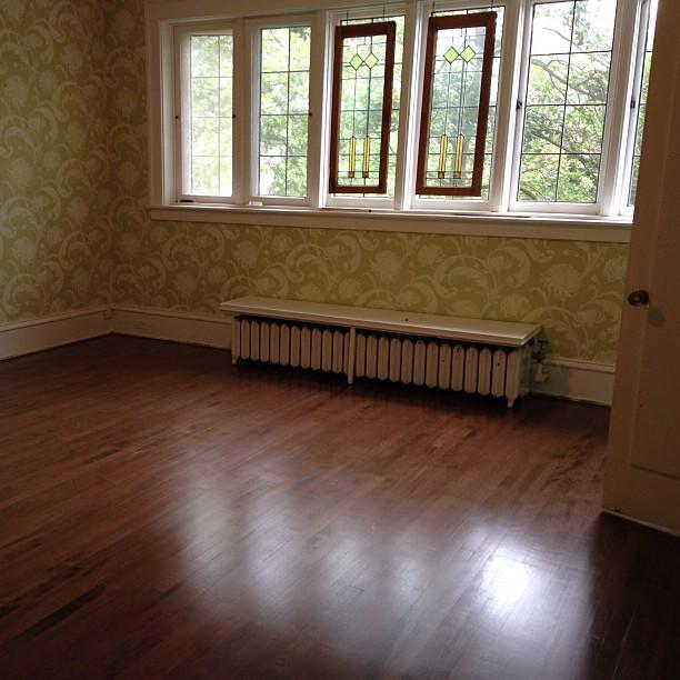 Love these hardwood floors w dark stain at yesterday 39 s for Hardwood floors kalamazoo